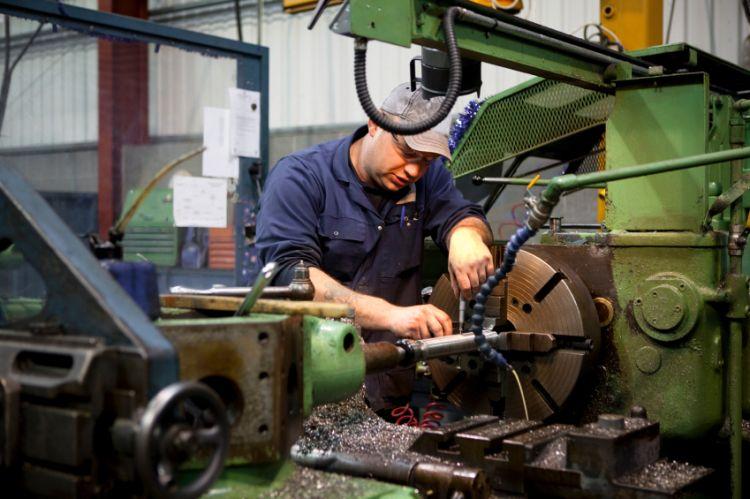 日本经团联:大型企业薪资整体增长2.43%
