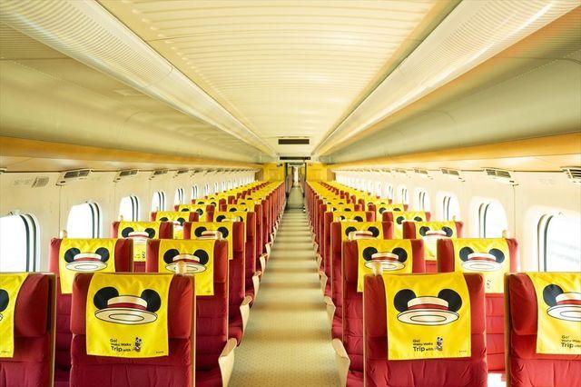 米奇 VS Hello Kitty !JR两公司的各自联动主题列车疾驰日本