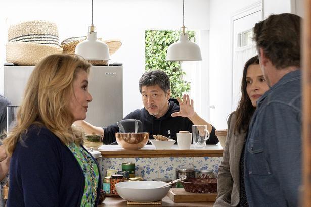 是枝裕和最新电影《真实》定档10月11日,首次进行国际合作