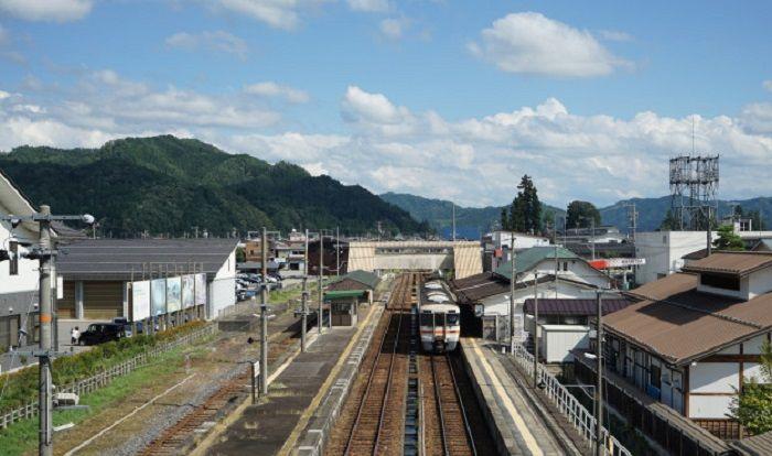 因游客激增,日本飞弹高山面临诸多问题