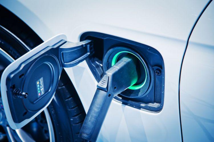 日本东京电力控股与中部电力公司共同设立电动汽车充电器公司