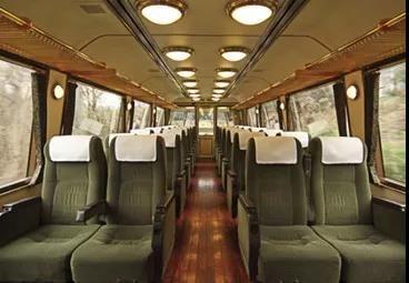 日本的列车都是童话中的移动城堡吧...