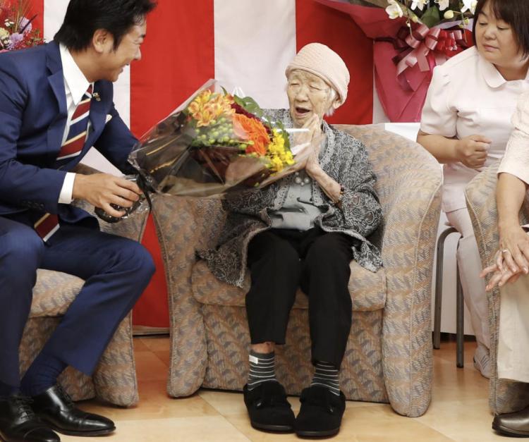 """世界最高龄老人表示:""""死?没想过。万岁!""""历经明治-令和5个时代"""
