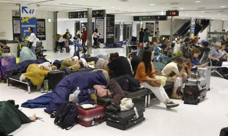约6成外国旅客因15号台风滞留成田机场,日本将以此为戒制定对策
