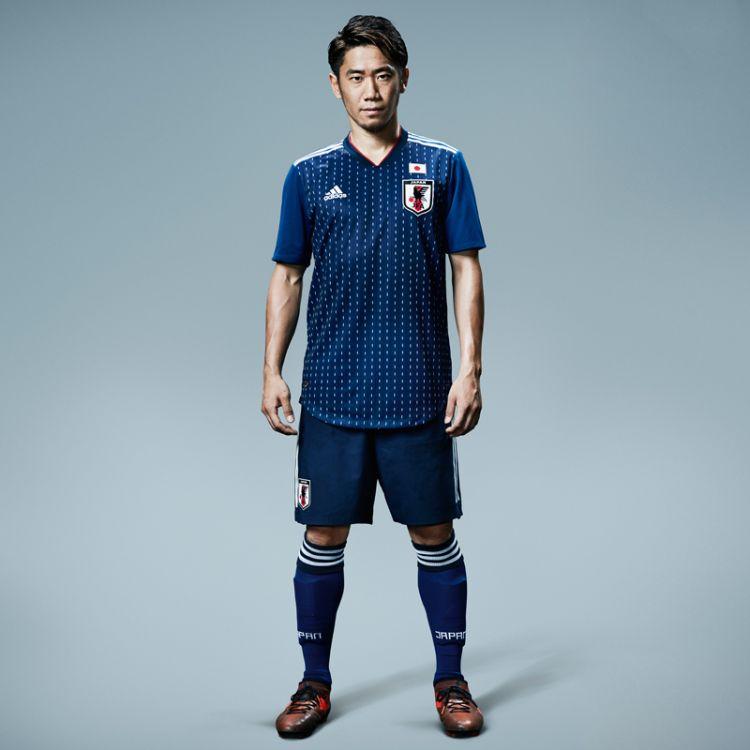 日本足球代表队新队服公开!迷彩花纹设计吸睛