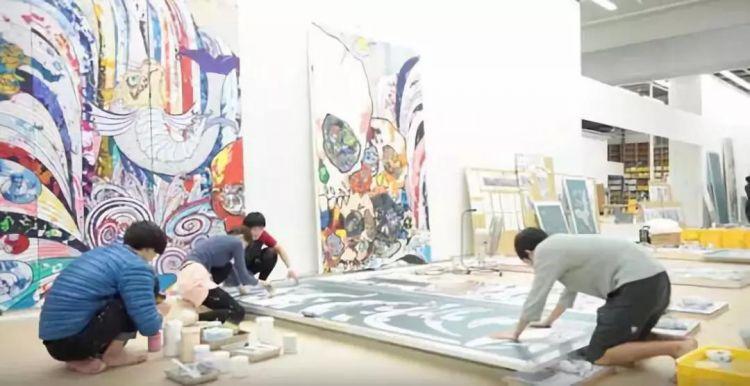 一幅画能卖一亿的艺术家,工作室到底长什么样?