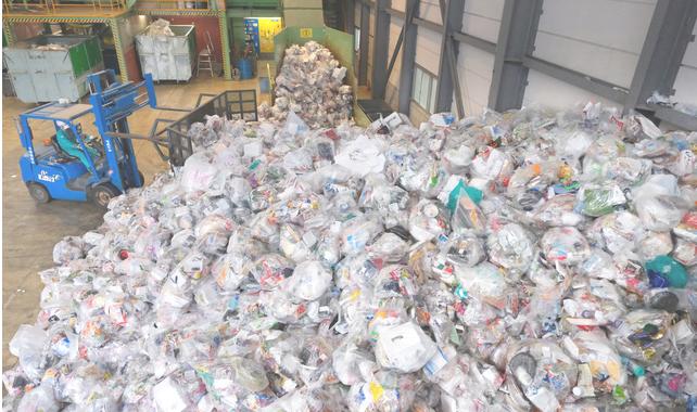 日本三菱化学研发出可在海水中降解塑料袋,自然分解时间由20年以上缩短至1年内